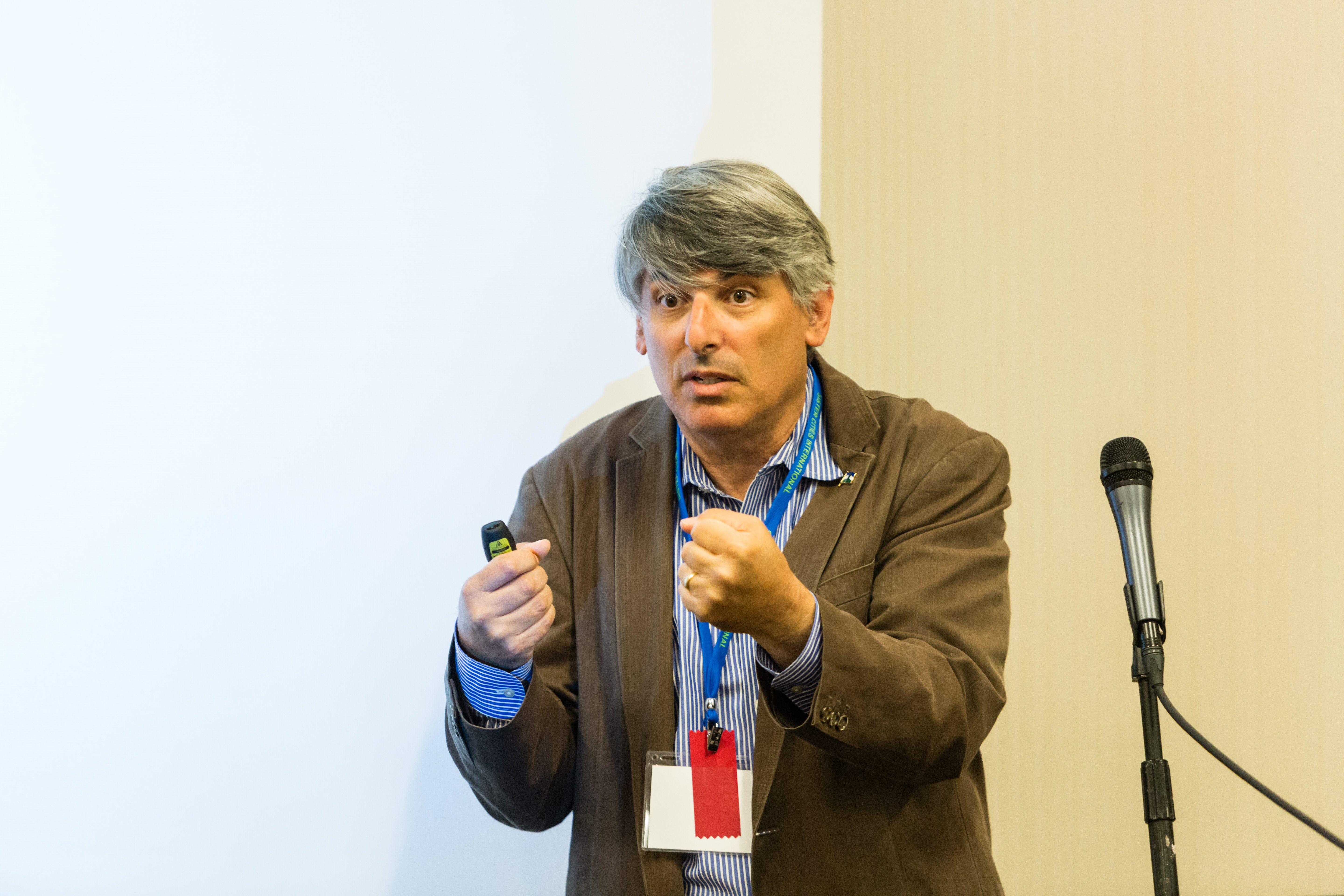 Dr. Aaron T Wolf SPeaks to Silk Road Track Attendees about Hydropolitics